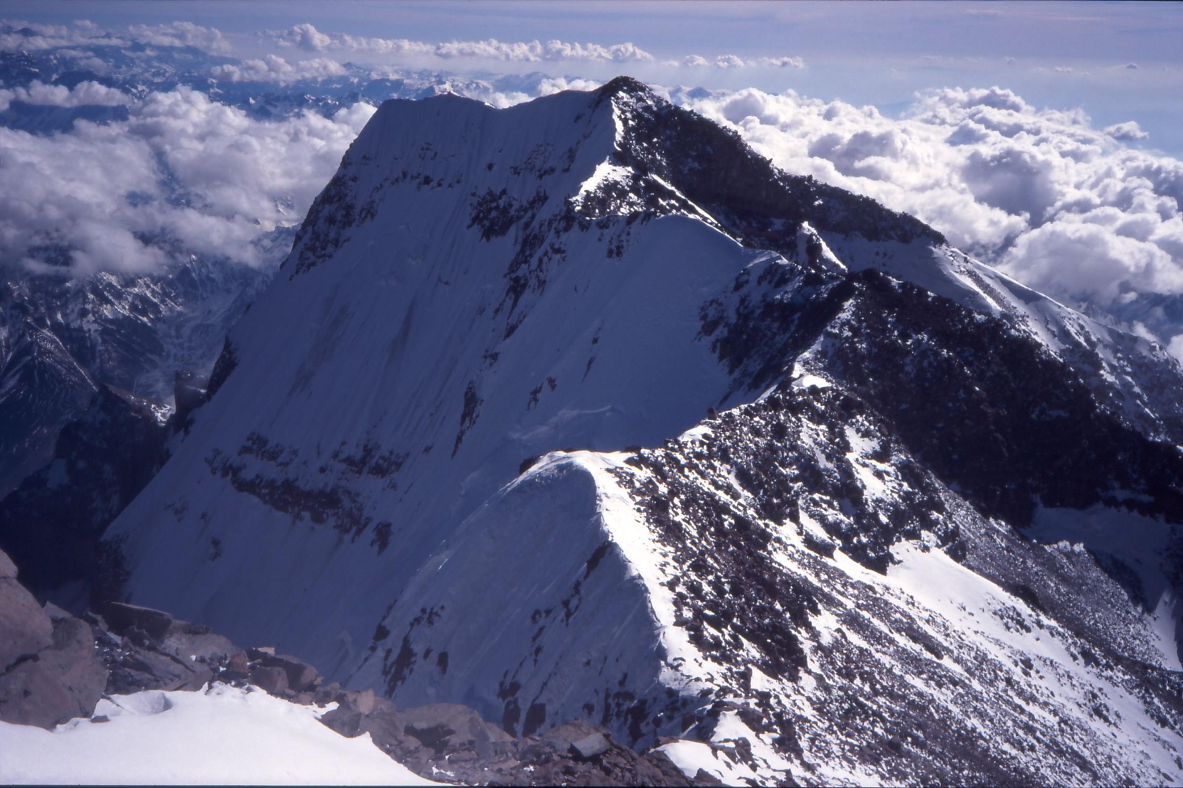 Blicken lyfts åter – mot nästa berg.